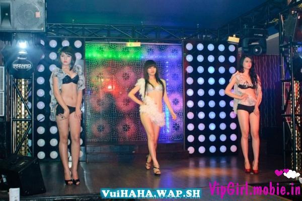 Dàn chân dài trình diễn bikini thời trang|raw