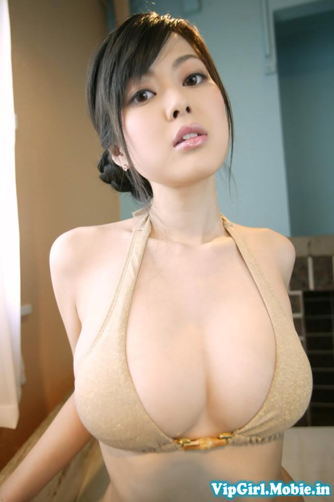 gái trung quốc ngực khủng với bikini khiêu gợi