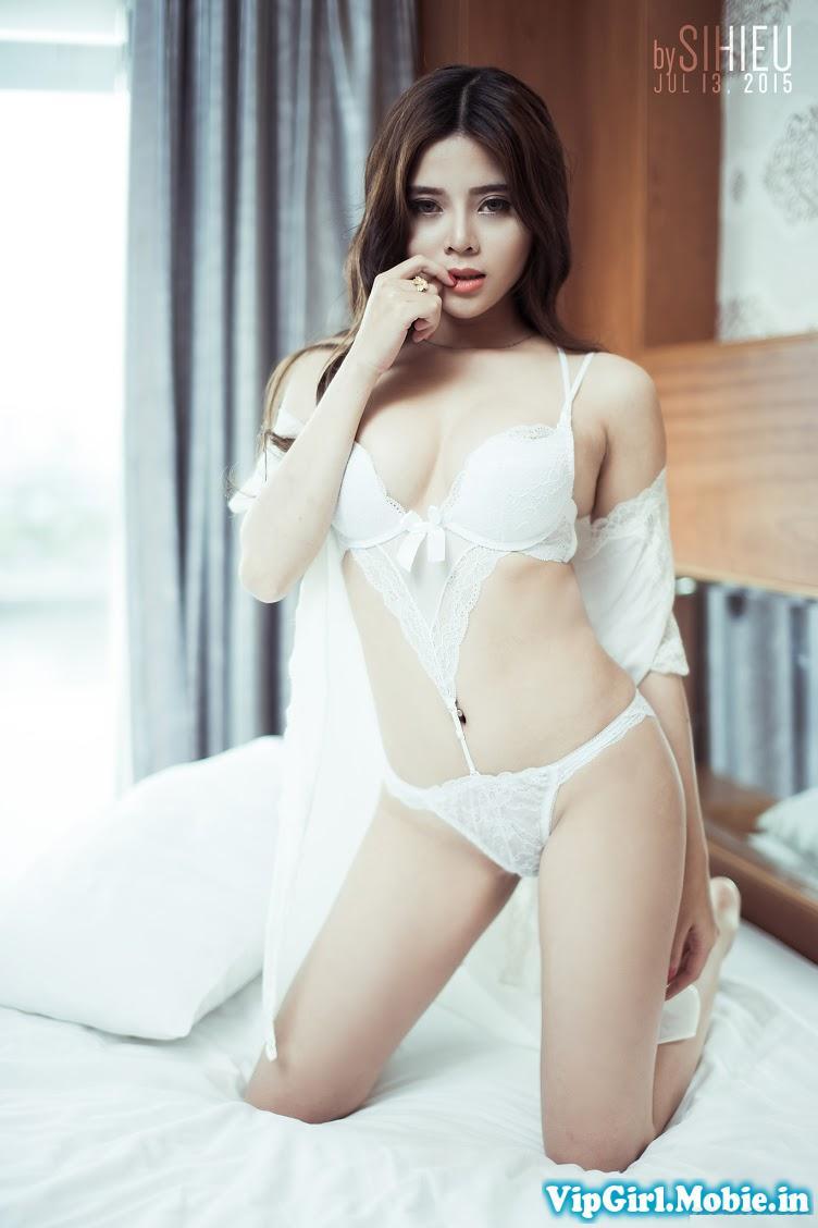 Gái xinh ngực đẹp trong bộ đồ ngủ nội y mỏng manh