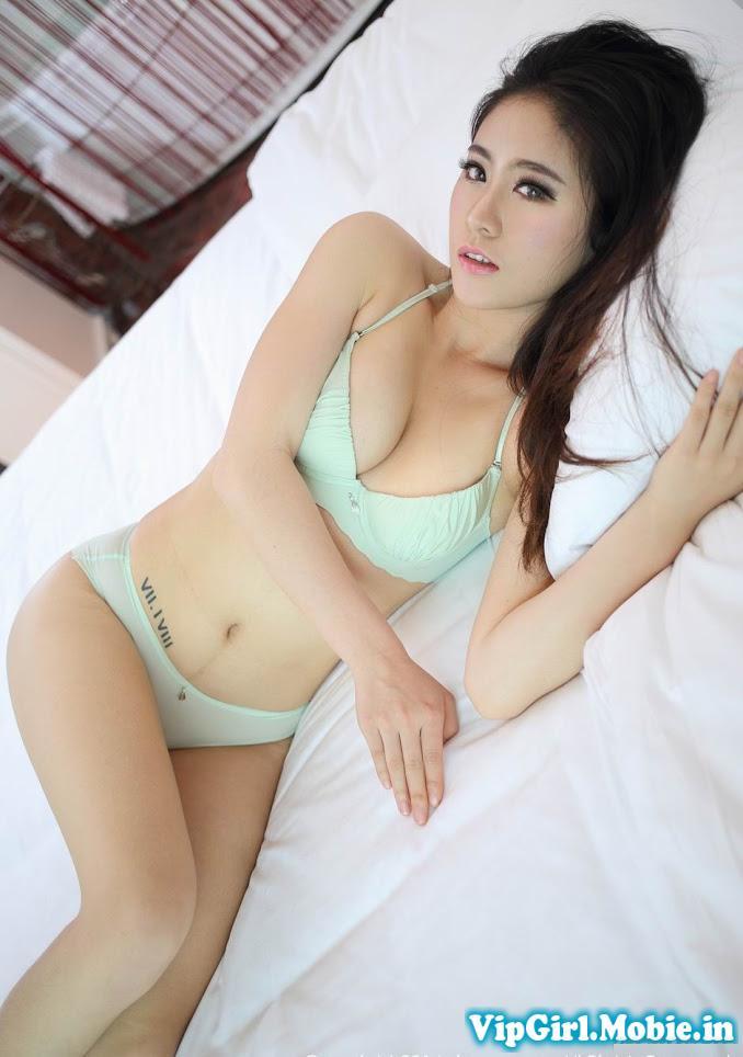 Gái xinh sexy bikini ngực to khiêu gợi trên giường cực hấp dẫn|raw