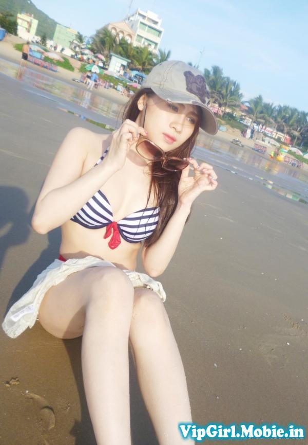 Gái xinh Việt Nam ngoài bãi biển|raw