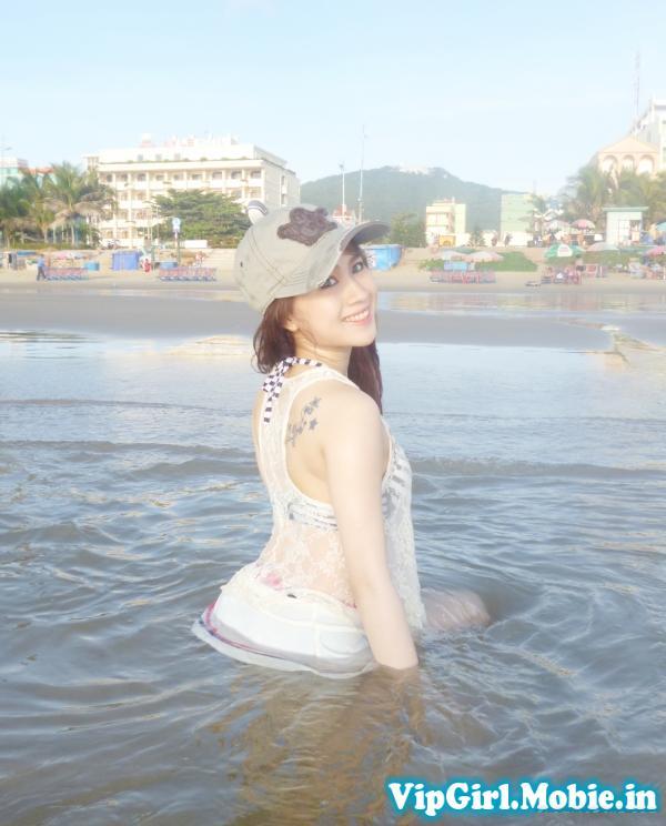 Gái xinh Việt Nam ngoài bãi biển