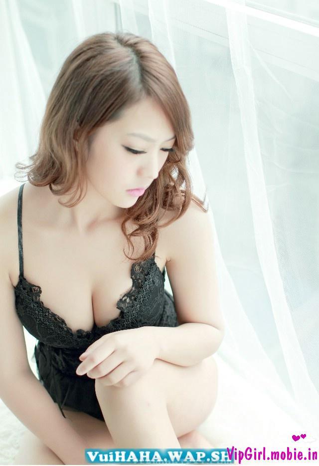 girl việt trắng xinh ngực căng tròn khoe chân dài với áo ngủ|raw