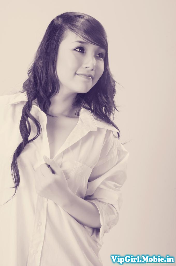 girl xinh Hạ Vy - Nụ cười em xoá tan băng giá