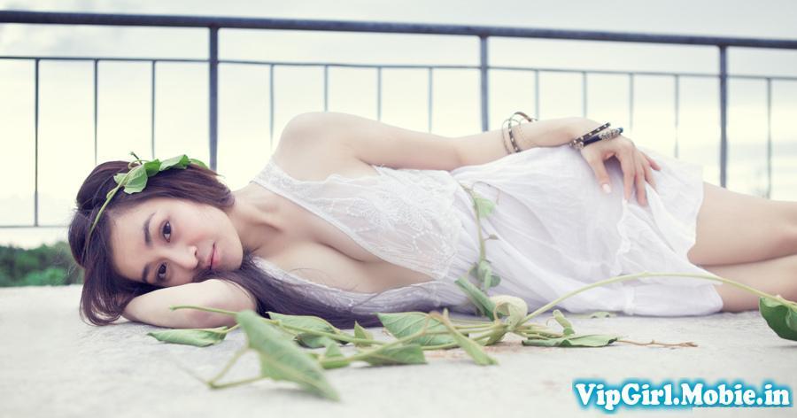 Girl xinh Việt Nam trắng đẹp sexy trong bộ váy siêu mỏng