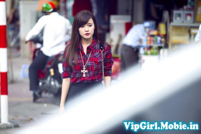 Hot Girl Midu cực xinh với váy ngắn dạo phố