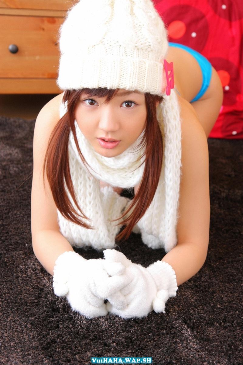 Hot girl Nhật Bản khoe bikini gợi cảm