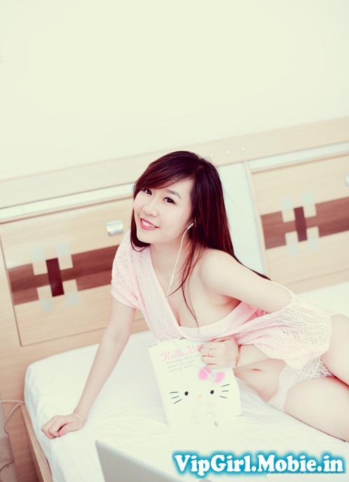 Hot Girl Nu Phạm Trắng Nõn Cực Ngon