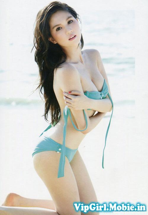 Ngọc Trinh Show Hàng Với Bikini Siêu Nóng|raw