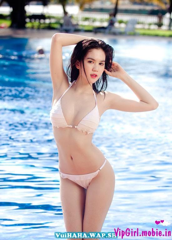 Ngọc Trinh với bikini trắng tinh khôi|raw