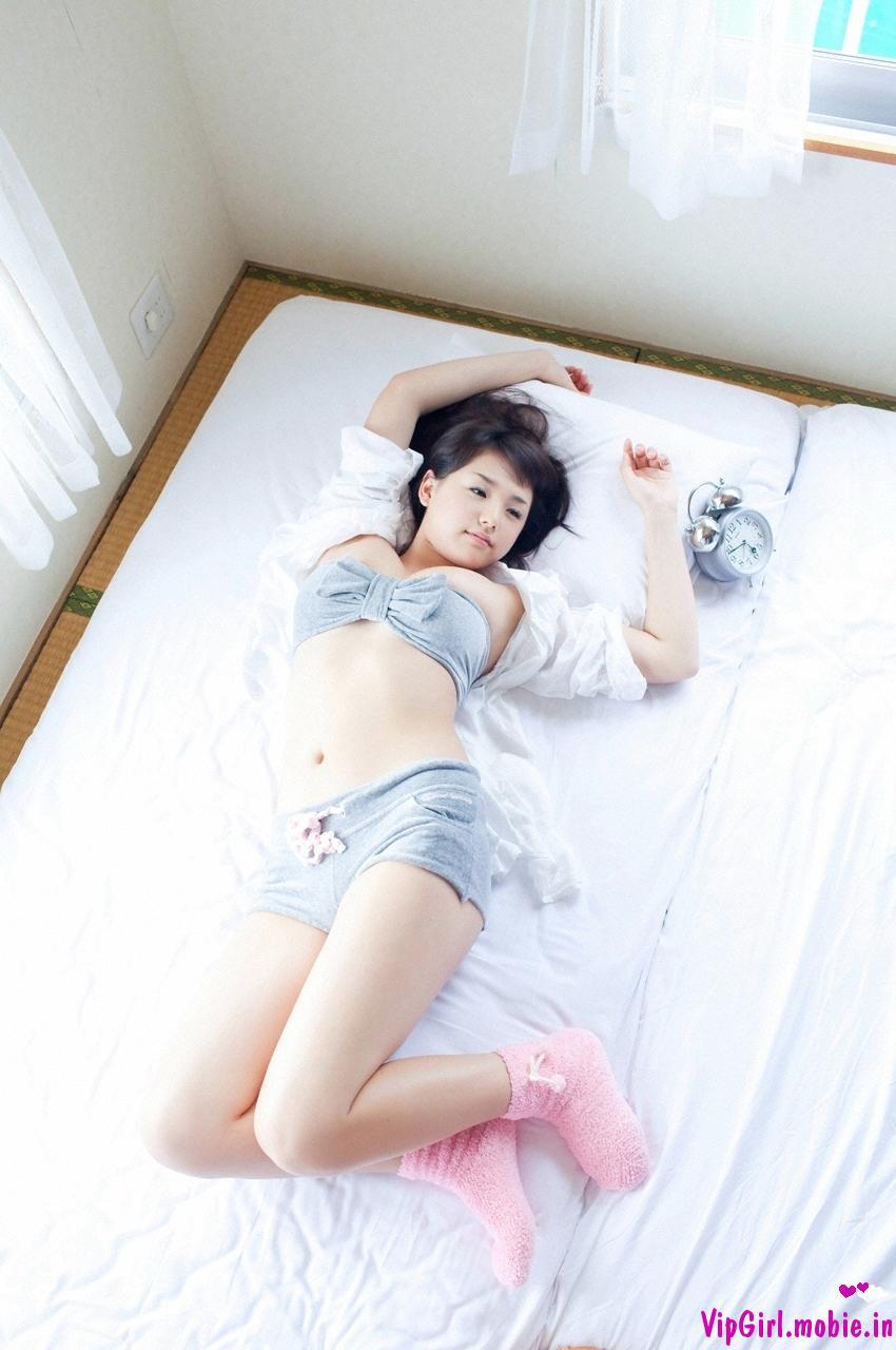 Thức giấc cùng hot girl trong nội y nóng bỏng